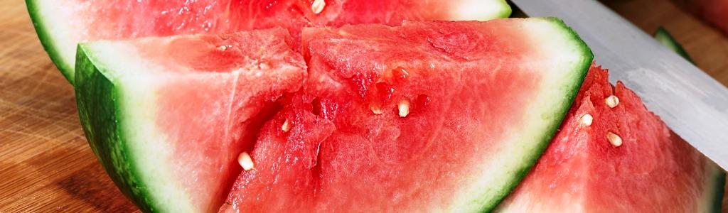Verkoelend eten en drinken bij zomerhitte